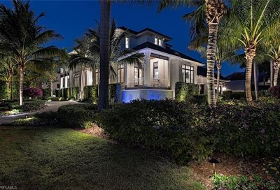 1475 Gulf Shore Blvd S Naples FL 34102