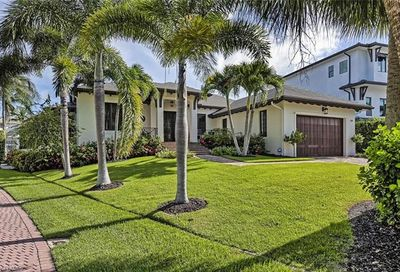 159 Conners Ave Naples FL 34108