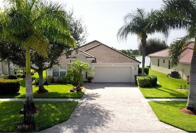 2940 Orange Grove Trl Naples FL 34120