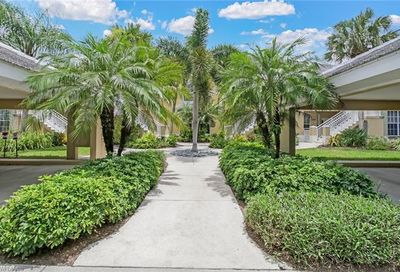 1920 Willow Bend Cir Naples FL 34109