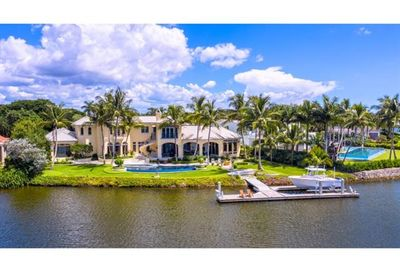 1700 Galleon Dr Naples FL 34102