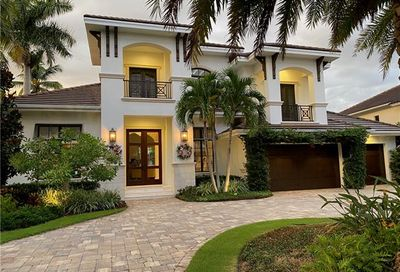 2130 Sheepshead Dr Naples FL 34102