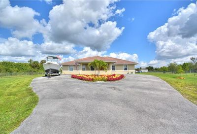 445 39th Ave NW Naples FL 34120