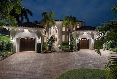 221 Mermaids Bight Naples FL 34103