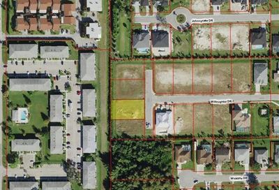 2 Willoughby Dr Naples FL 34110