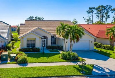 228 Countryside Dr Naples FL 34104