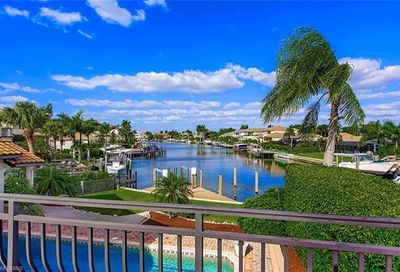 277 Mermaids Bight Naples FL 34103