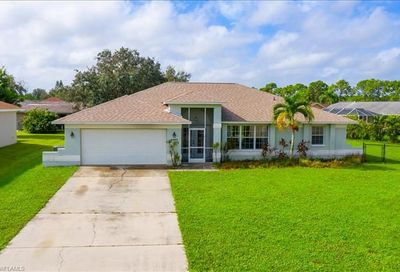 3281 Lemon Ln Naples FL 34120