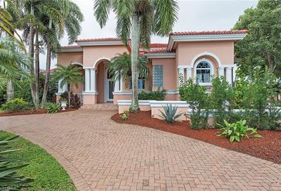 2089 Kingfish Rd Naples FL 34102