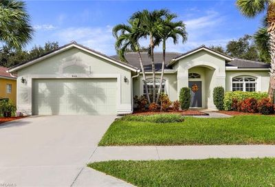 8464 Laurel Lakes Blvd Naples FL 34119