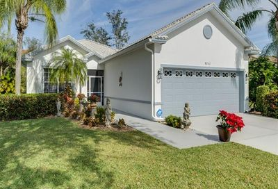8242 Laurel Lakes Blvd Naples FL 34119