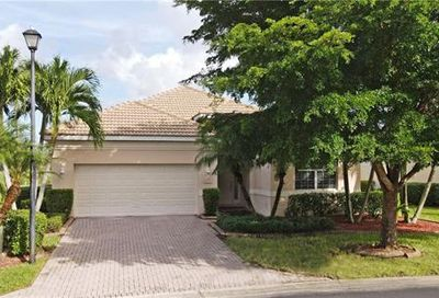 8316 Shorecrest Dr Fort Myers FL 33912