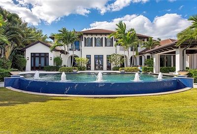 970 Aqua Cir Naples FL 34102
