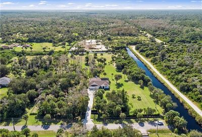 830 10th Ave NW Naples FL 34120