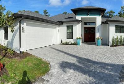 5025 Hickory Wood Dr Naples FL 34119