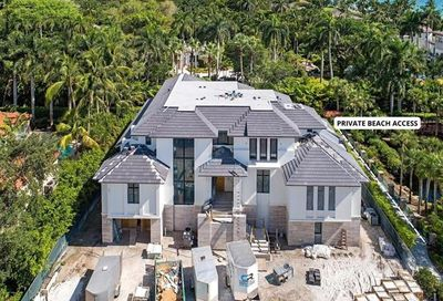 2060 Gordon Dr Naples FL 34102