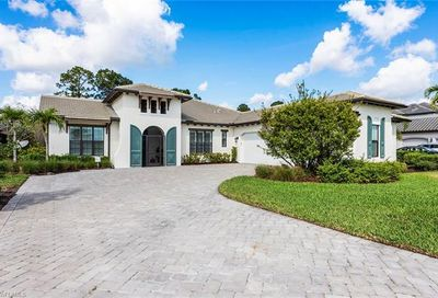 2319 Somerset Pl Naples FL 34120