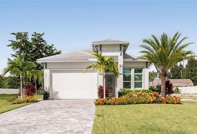 747 110th Avenue N Naples FL 34108