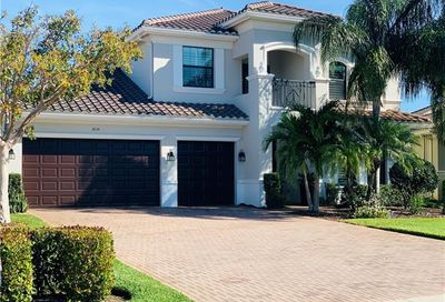 3959 Bering Ct Naples FL 34119