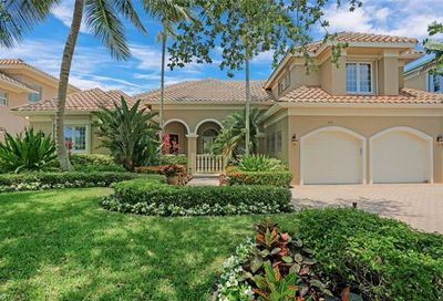 465 Egret Ave Naples FL 34108