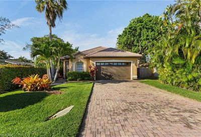 559 103rd Ave N Naples FL 34108