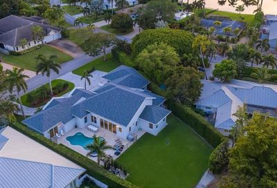 605 5th Ave N Naples FL 34102