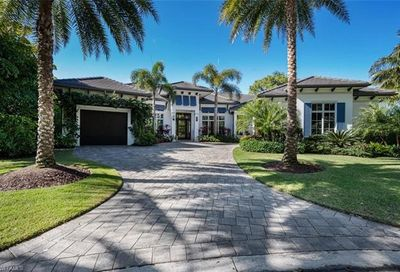 702 Bob White Ln Naples FL 34108