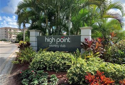 53 High Point Cir W Naples FL 34103