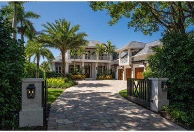 1100 Galleon Dr Naples FL 34102