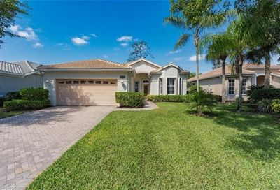 8727 Gleneagle Way Naples FL 34120