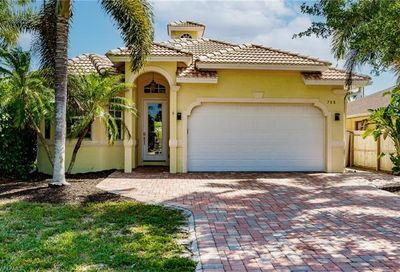 708 108th Ave N Naples FL 34108
