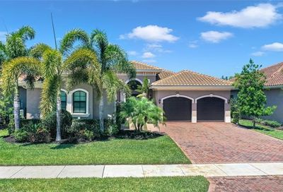 2906 Cinnamon Bay Cir Naples FL 34119