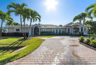 600 96th Ave N Naples FL 34108
