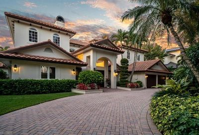453 18th Ave S Naples FL 34102