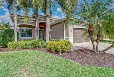3196 Pacific Dr Naples FL 34119