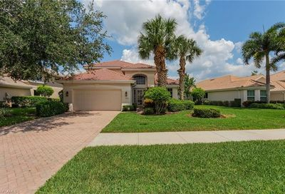 11813 Bramble Ct Naples FL 34120