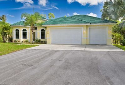 3571 3rd Ave NW Naples FL 34120