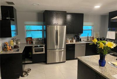 197 Wickliffe Dr NW Naples FL 34110