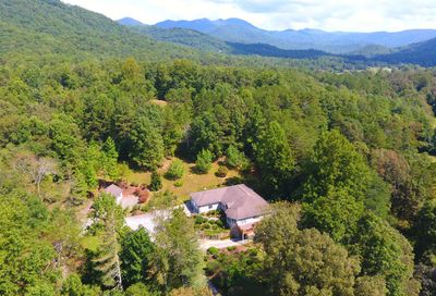 10 Star Lane Hiawassee GA 30546