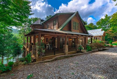 1300 Fish Hook Point Blue Ridge GA 30513