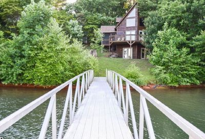 377 Lakevierw Dr. E Hayesville NC 28906