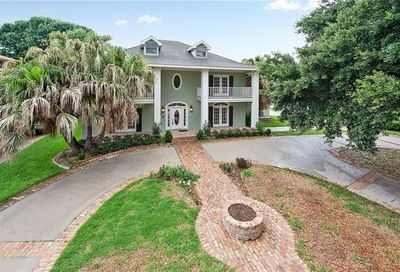 17 Chateau Haut Brion Drive Kenner LA 70065