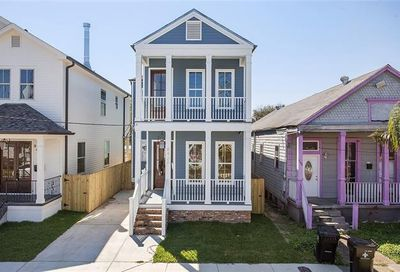8420 Hickory Street New Orleans LA 70118