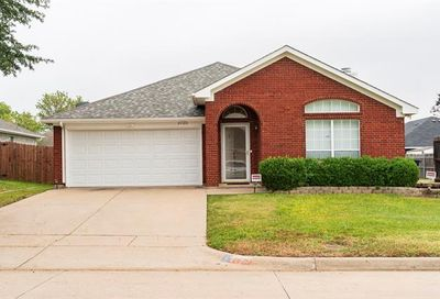 3725 Cove Meadow Lane Fort Worth TX 76123