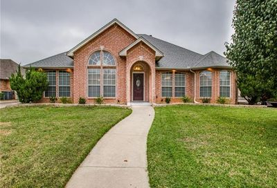1669 Oak Creek Drive Hurst TX 76054