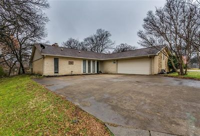 310 Somerset Circle Bedford TX 76022