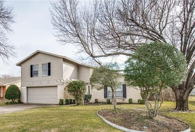11 Merrie Circle Richardson TX 75081