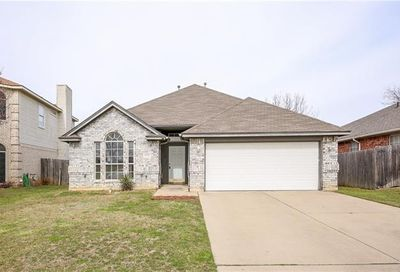 8605 Creede Trail Fort Worth TX 76118