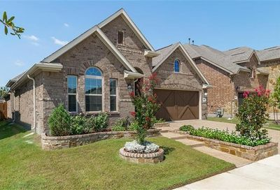 902 Dove Trail Euless TX 76039