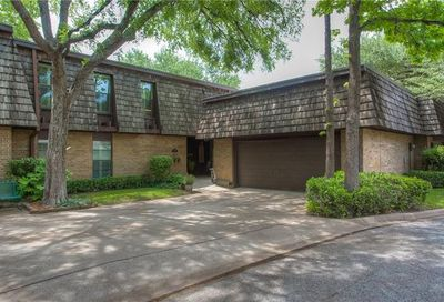 3008 Tanglewood Park W Fort Worth TX 76109
